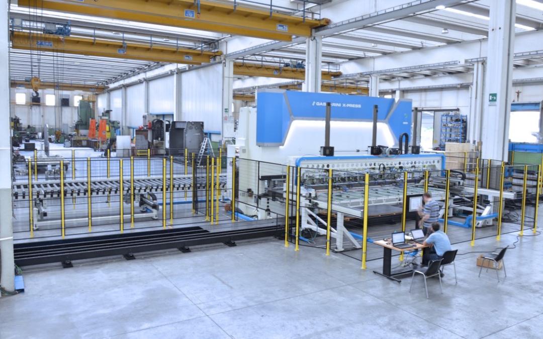 Línea automatizada para la fabricación de paneles